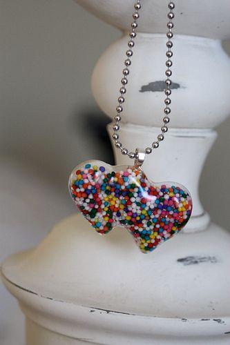 making resin jewelry. Love it ~ must try! #ecrafty