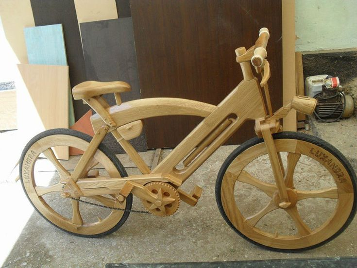 bicicleta din lemn de stejar