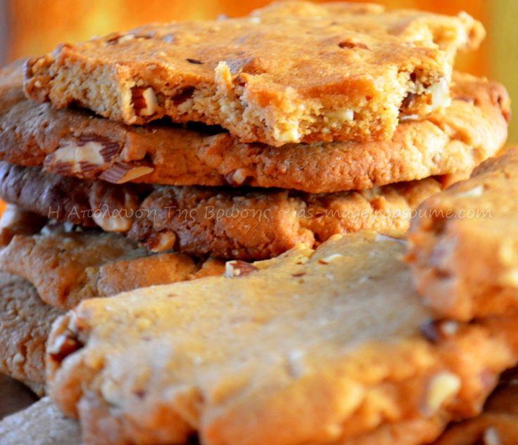 Μπισκότα με φυστικοβούτυρο και αμύγδαλα