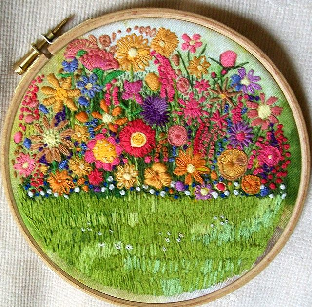 embroidered gardenSummer Gardens, Embroidery, Sewing Crafts, Art, Crewel Embroidery, Flower Gardens, Crosses Stitches, Vintage Style, Embroidered Flower