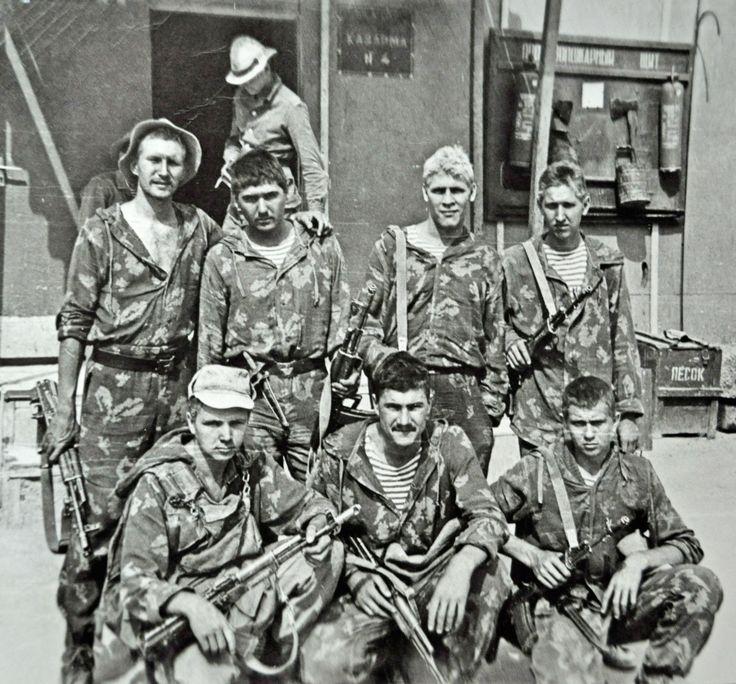 Советские солдаты во время службы в Афганистане