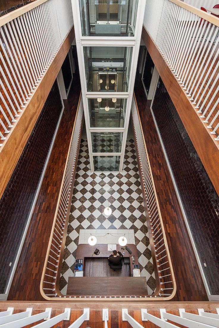 22 best futuristic interiors images on pinterest - Arquitectura pereira ...