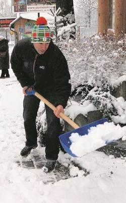 Zakopane: chcą referendum ws. odśnieżania chodników http://www.gazetakrakowska.pl/artykul/3764285,zakopane-chca-referendum-ws-odsniezania-chodnikow,id,t.html
