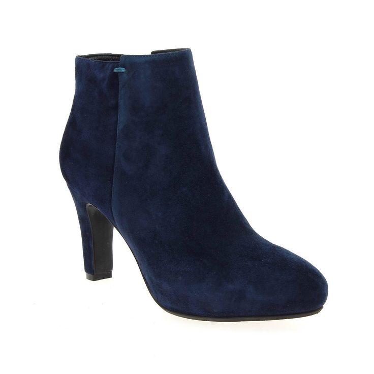 Image issue du site Web http://www.bessec-chaussures.com/media/catalog/product/cache/1/image/9df78eab33525d08d6e5fb8d27136e95/c/h/chaussure-femme-jb-martin-bottines-boots-uster-bleu-8208402_1.jpg