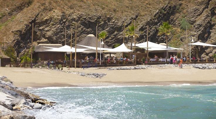 A hidden gem, Luna Beach Club is hidden in the bay between Benalmadena and Torrequebrada.
