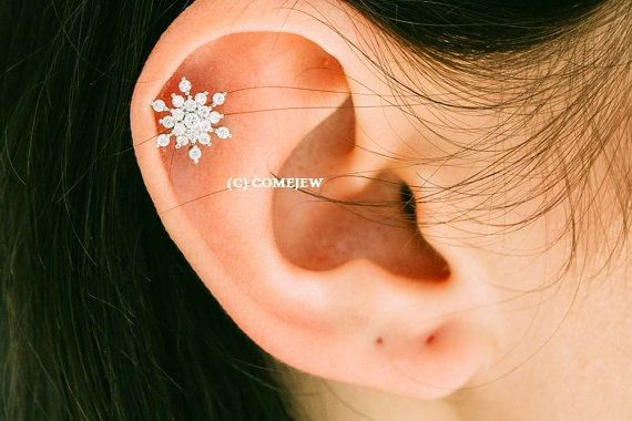 CZ Snowflake Tragus Earring, Snow Winter Theme,Snowflake Piercing,tragus earring,cartilage earring,tragus jewelry,upper ear earring, GJA028