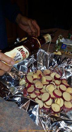 Ongelooflike lekker patats oor die kole - met Amarula, Bruin Suiker en Botter.