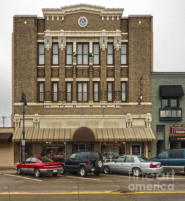 Grinnell Iowa Masonic Temple By Gregory Dyer