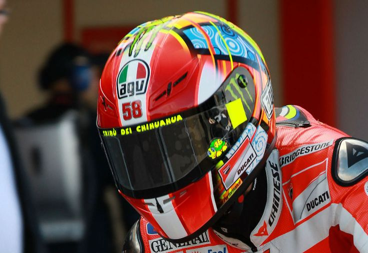 Valentino Rossi explains Marco Simoncelli tribute helmet - | Motorcycle Sport | MotoGP News | MotoGP Results | MCN