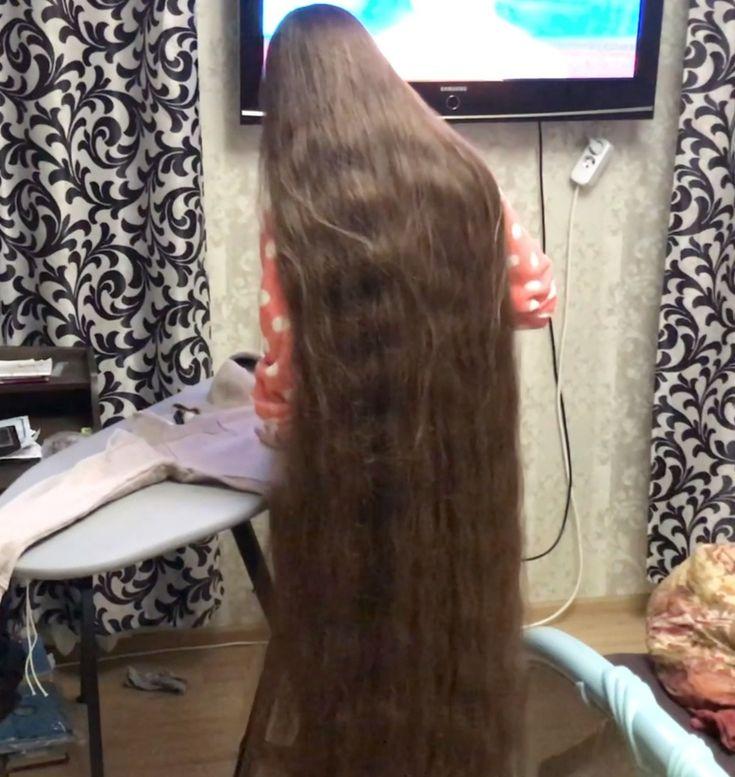 VIDEO - Rapunzel at home