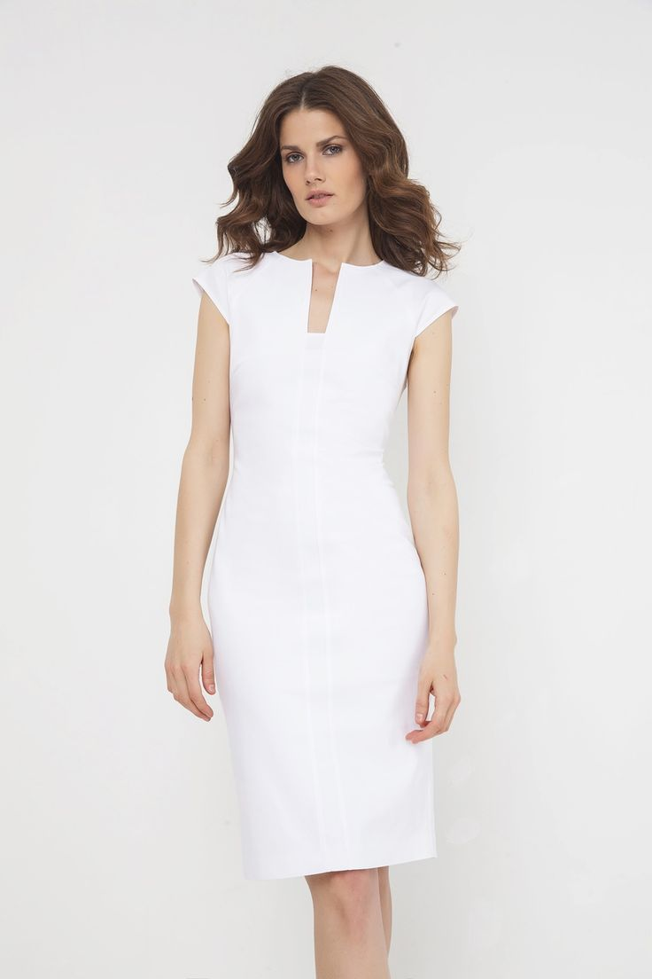 Φόρεμα μίντι με σχέδιο V στη λαιμόκοψη