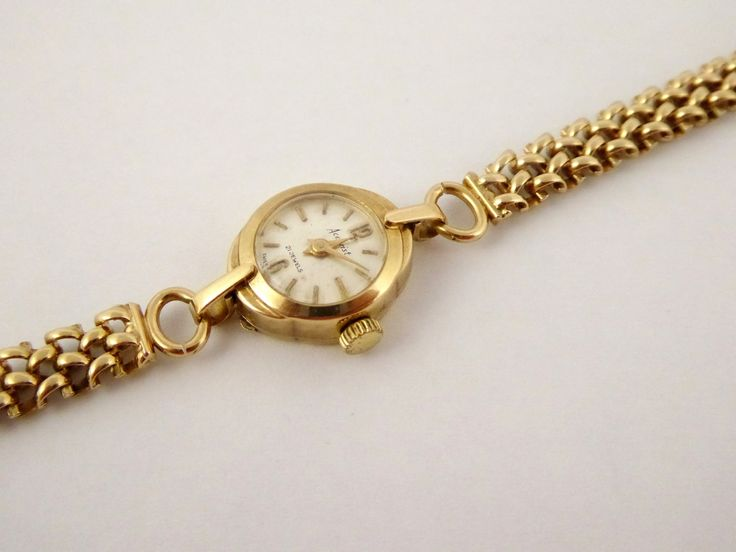 9ct Gold 1959 Accurist Ladies watch on 9ct Gold Bracelet - The Collectors Bag