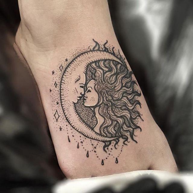Pin By Artandlove On Tattoo Sun Tattoos Tattoos Moon Tattoo Designs