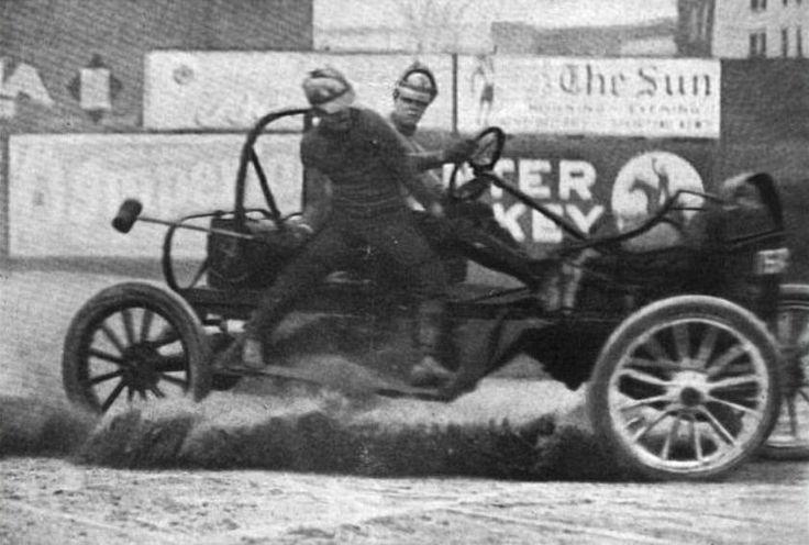 Ještě katastrofálnější následky měl sport pro hráče, zejména ty s pálkou, kteří honili míč. Pády při hře na zem byly zcela běžné, často přitom končily tak, že hráče přejelo auto.
