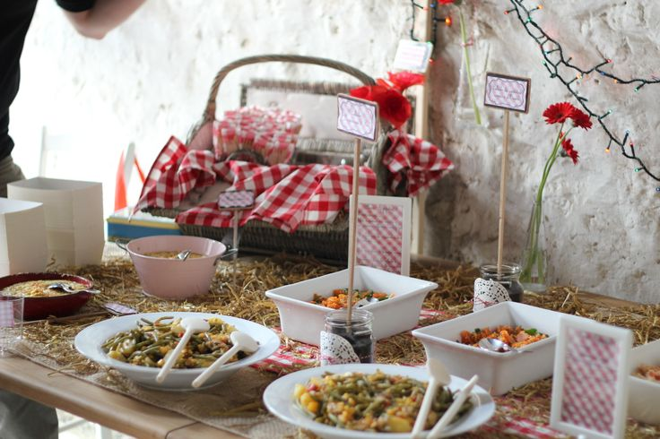 17 best d coration garden party photos buffet invitation images on pinterest - Decoration pour buffet ...