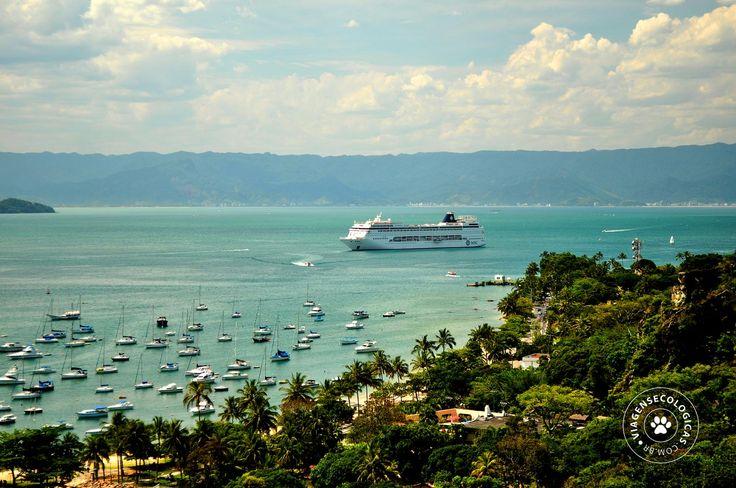 Ilhabela (Brasil) está na rota de Cruzeiros Marítimos, com mais de 130 paradas de navios de cruzeiro por ano - Foto: Fernanda Lupo