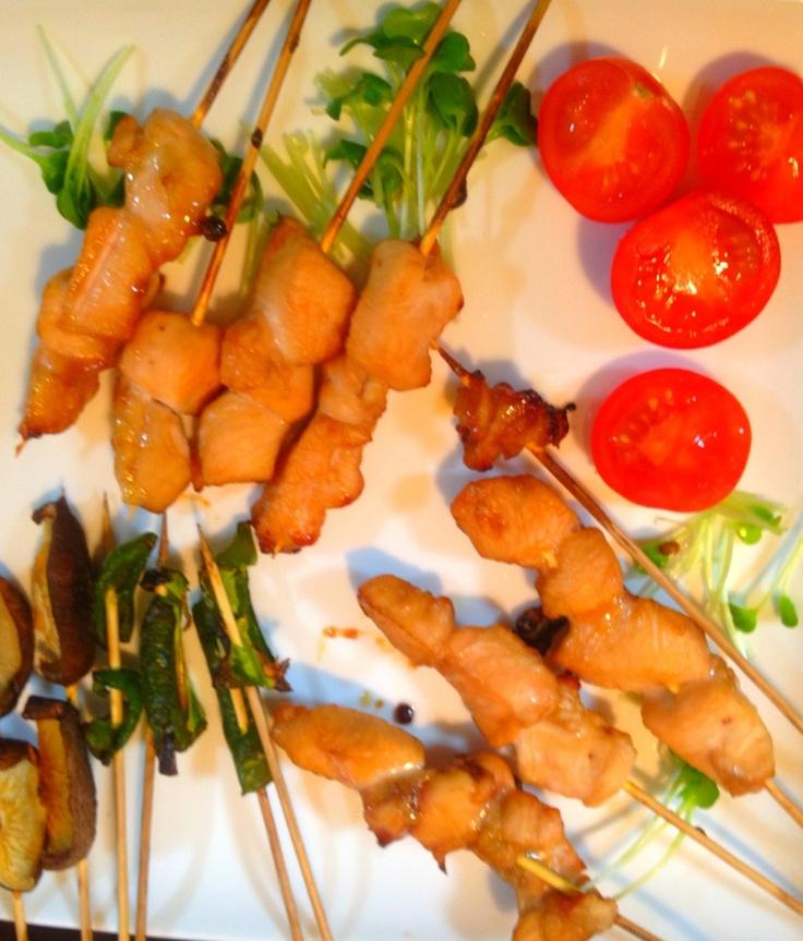 夕ご飯:おうちで焼き鳥。こちらはタレ。レンジのグリルで焼きました(*Ü*)*.¸¸♪