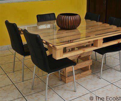 Pöytä kuormalavasta