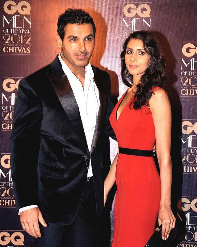 IS JOHN ABRAHAM LOSING INTEREST IN PRIYA RUNCHAL? John Abraham growing closeness to Nathalia Kaur keeps Priya Runchal worried. To watch video click on www.biscoot.com/showtym #johnabraham #PriyaRunchal #bollywood #bollywoodnews #biscootshowtym #showtym #bollywoodaffairs