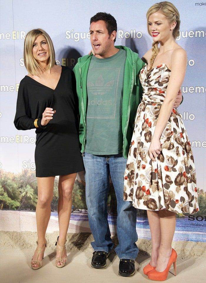 "Jennifer Aniston, Adam Sandler and Brooklyn Decker attend the premiere of their latest movie ""Just Go With It"" held at Room Mate Oscar Hotel in Madrid on February 22, 2011"