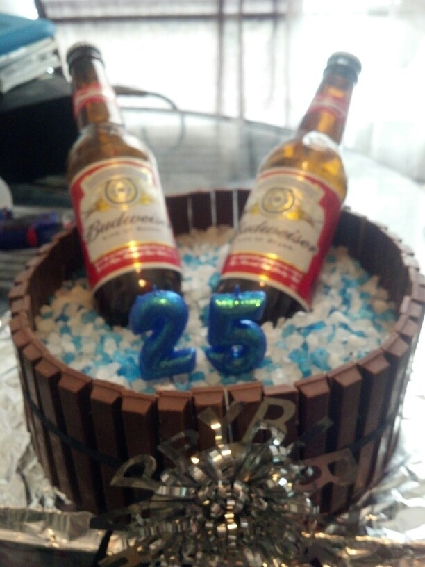 Shanes 25th birthday cake. Just finished it :)