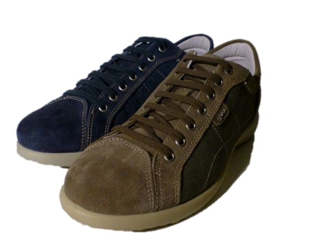 Laced sporty shoes with jeans fabric, by Igi&Co 2014