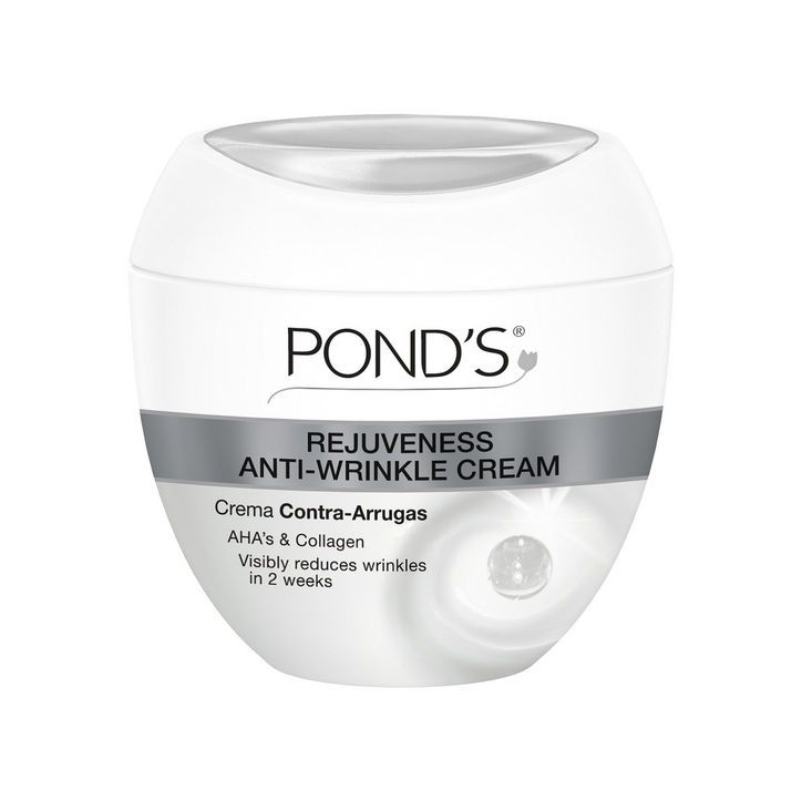 Did you know POND'S Rejuveness Anti-Wrinkle Cream contains Alpha Hydroxy Acids? According to @glamourmag, these ingredients exfoliate skin without leaving it dry for smooth, radiant skin.