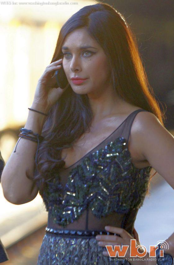 "Lisa Ray - Watch: New ""Ishq Forever"" Trailer - The Brat Princess Breaks Protocol to Elope with the Perfect Stranger - http://www.washingtonbanglaradio.com/content/watch-new-ishq-forever-trailer-brat-princess-breaks-protocol-elope-perfect-stranger  #ishqforever #KrishnaChaturvedi #RuhiSingh #LisaRay #JaavedJaaferi #FilmTrailer #Trailer"