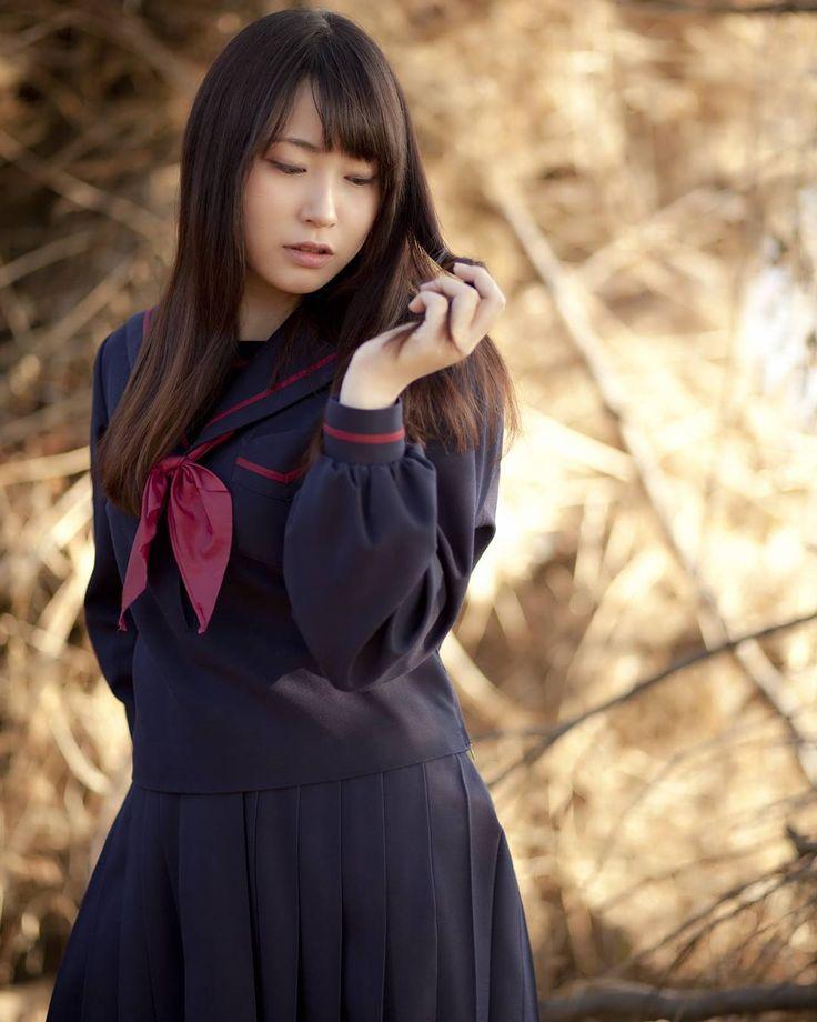 台風の影響で、森っぽかった場所が海っぽくなってました(笑) . Model : @umi11939 #被写体募集 #被写体募集中 #撮影モデル募集 #撮影モデル募集中 #ポートレート #東京 #世田谷 #二子玉川 #多摩川 #河川敷 #japanesegirl #strobist #portrait #igersjp #tokyo #85mm #autumn #写真好きな人と繋がりたい #カメラ好きな人と繋がりたい #制服 #セーラー服