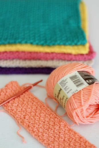 Easy Hand Crocheted Washcloths - http://www.theloghomekitchen.com/easy-hand-crocheted-washcloths/