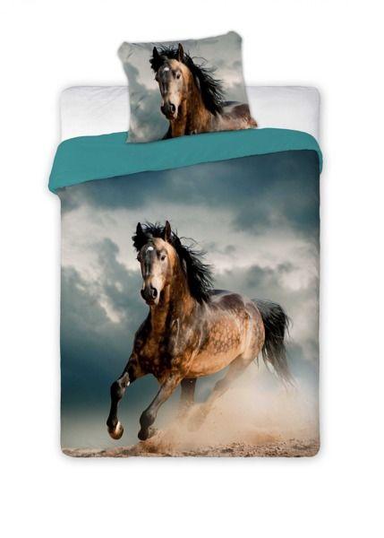 Kvalitná posteľná obliečka s motívom cválajúceho koňa
