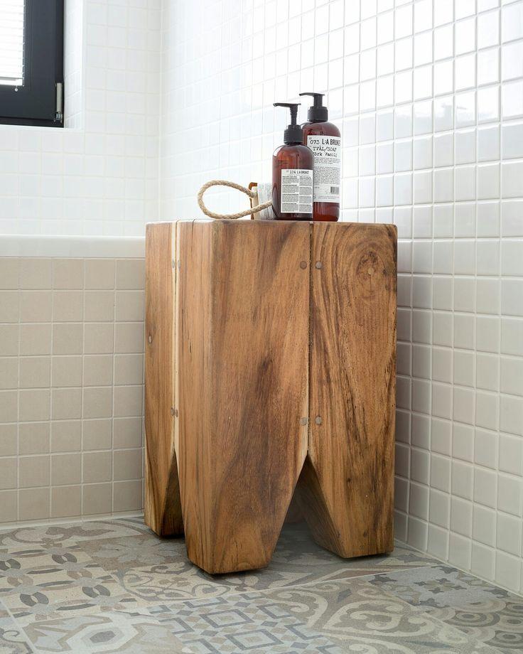 Teak stool_ detail_ bathroom_Slovakia