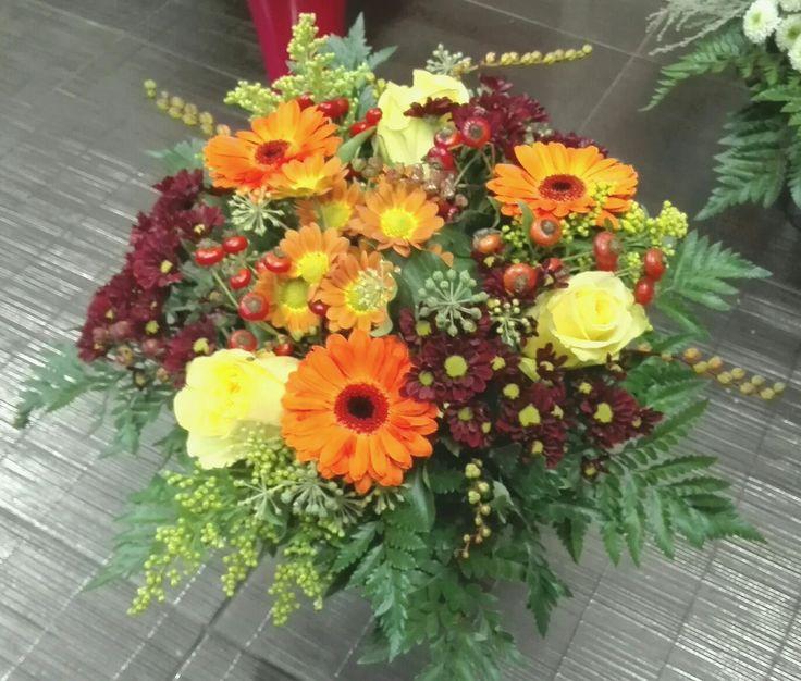 Autumn flowers bucket.