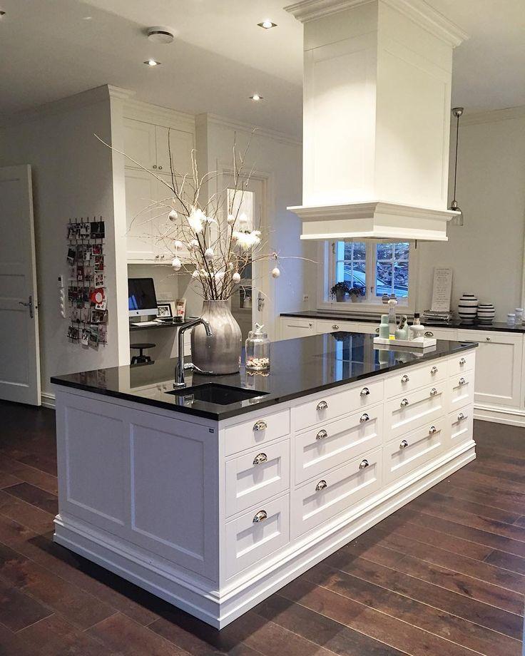 ✨God morgen✨ god morgen blir kanskje litt feil for vi har nå vært oppe i noen timer #husetvårt #kjøkken #kitchen #kök #hamrankjøkken
