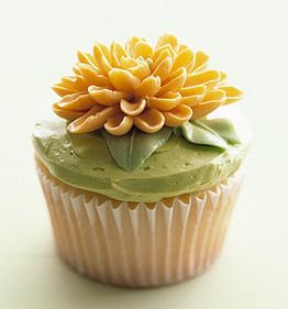 Fall flower cupcakes: Yellow Flowers, Flowers Cupcakes, Spring Cupcakes, Cupcakes Ideas, Decor Ideas, Chrysanthemums Cupcakes, Martha Stewart, Easter Cupcakes, Cups Cakes