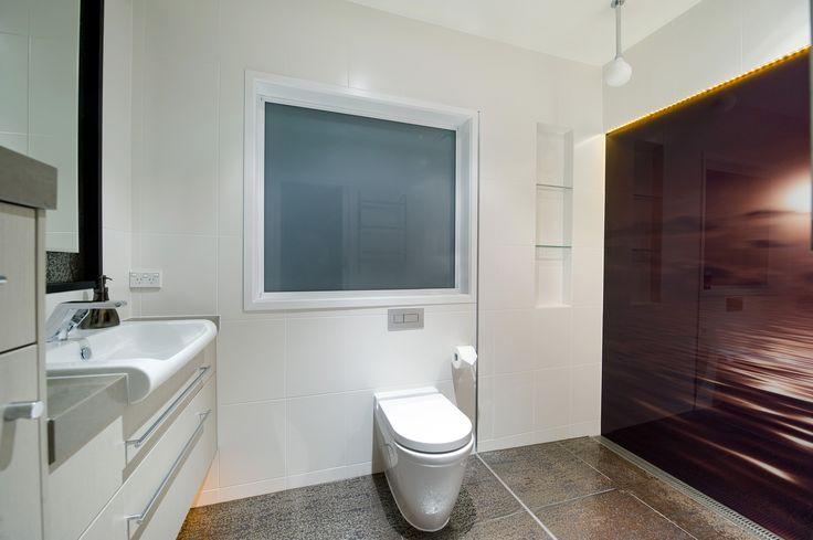 Bubbles Bathrooms Glorious Sun set glass imagery