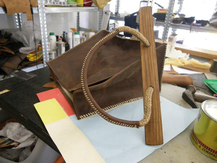 parts of a larou bag.