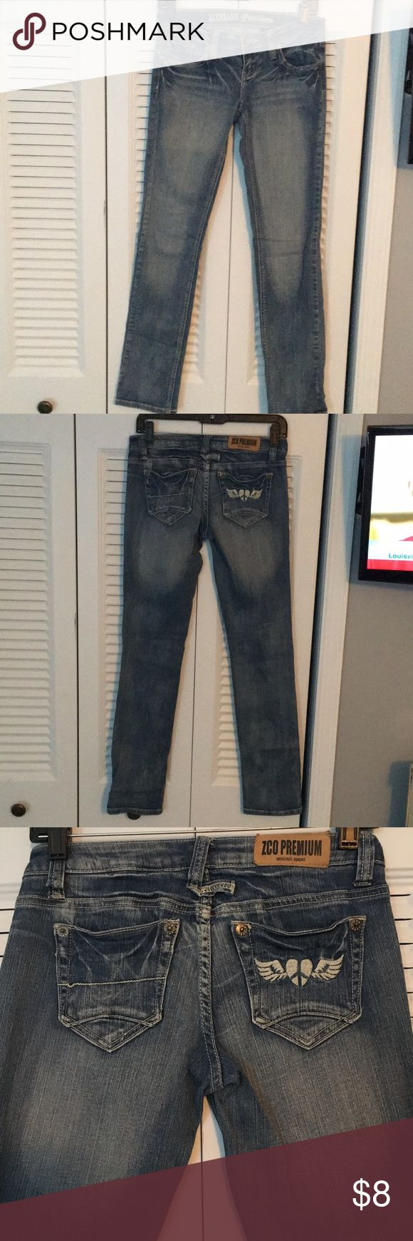 Perfect fit straight leg fit jeans! Size 5/6 Worn few times. Great used conditions. Comfortable and beautiful medium-wash denim. Mid rise fit. Great for casual or dressed up looks. It's your pick! ZCO Jeans Straight Leg