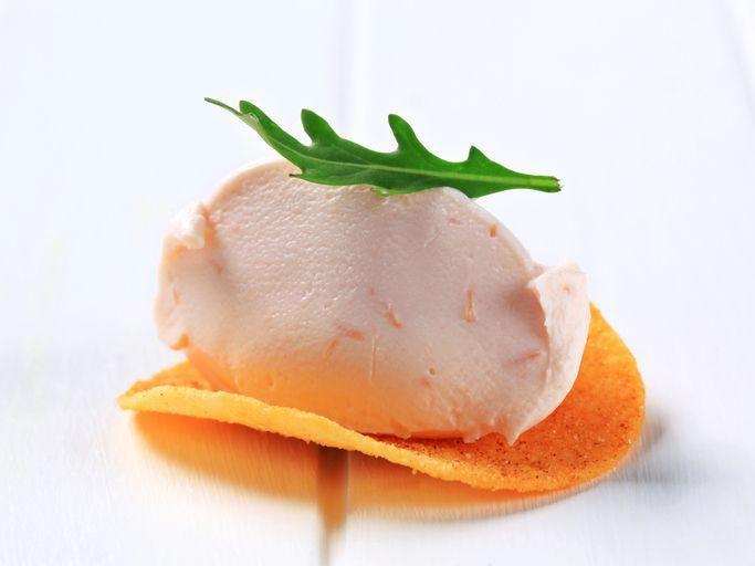 Come si prepara la mousse di prosciutto cotto e ricotta? E' un antipasto perfetto per la Festa della mamma!