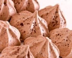 Petites meringues au chocolat (facile, rapide) - Une recette CuisineAZ