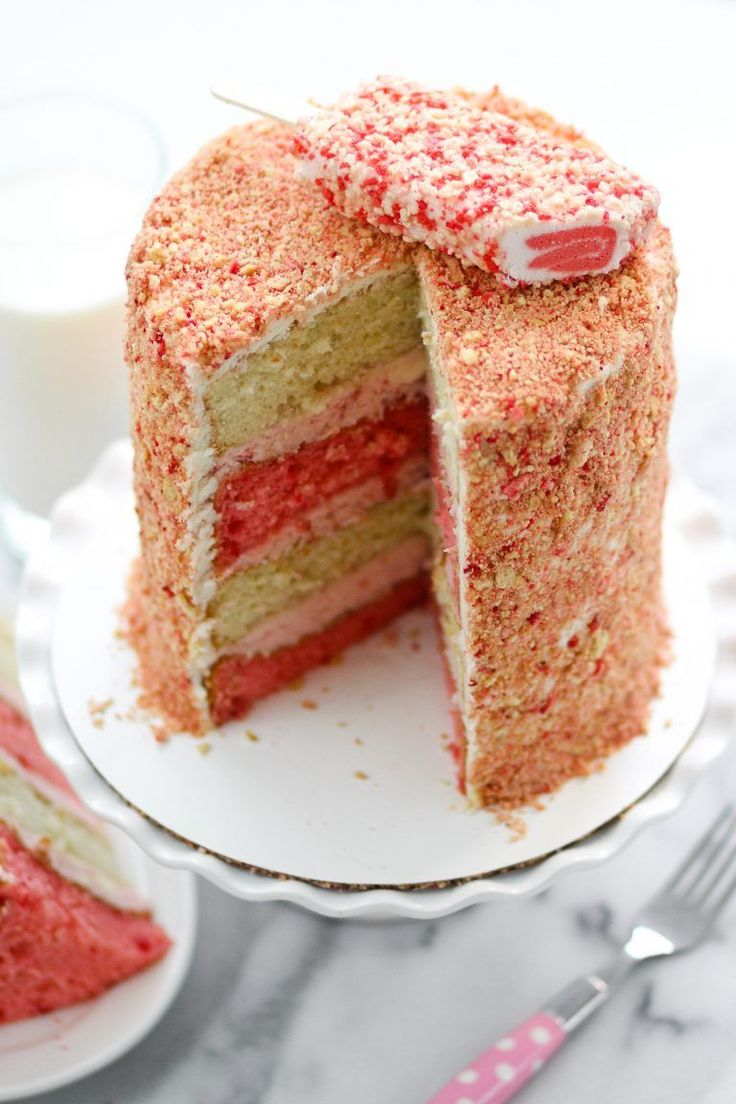 Strawberry Crunch Cake Photo