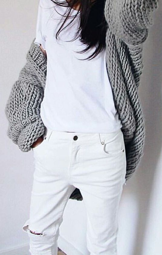 Create a long slim silhouette, wear a white top back with your white denim. www.stylestaples.com.au
