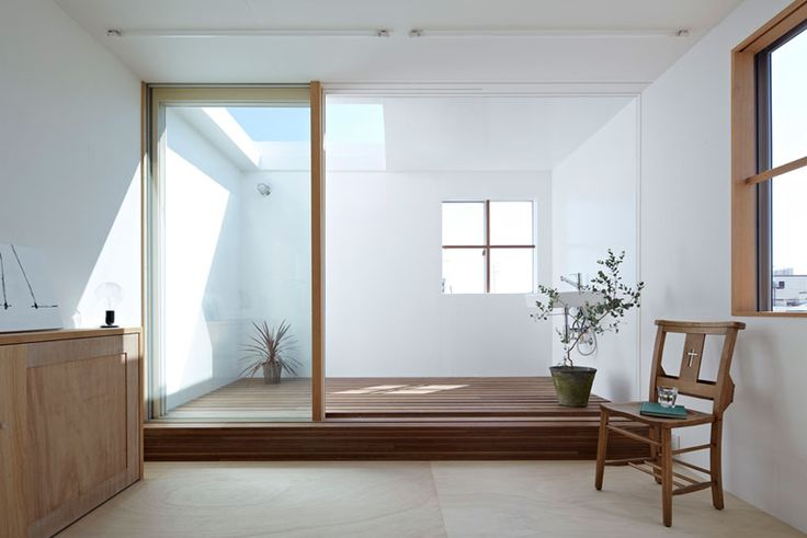 House in Itami is a minimalist house located in Hyōgo, Japan, designed by Tato Architects. The most characteristic aspect of the home is the...