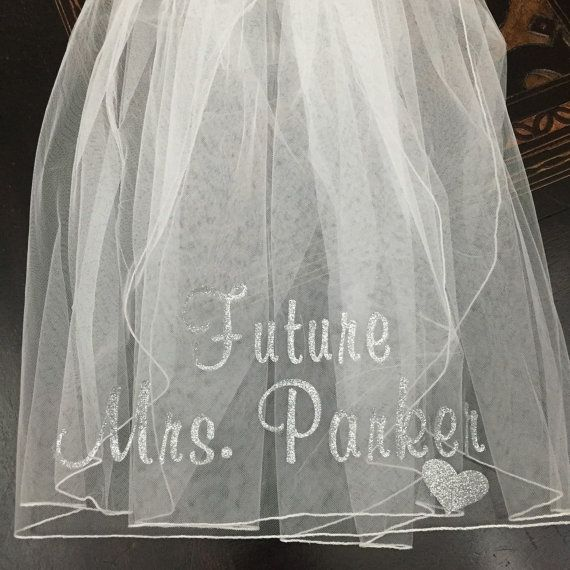 Gorgeous bachelorette veil customized in your choice of glitter color (heart is optional). This set includes ONE (1) white Tulle Veil.