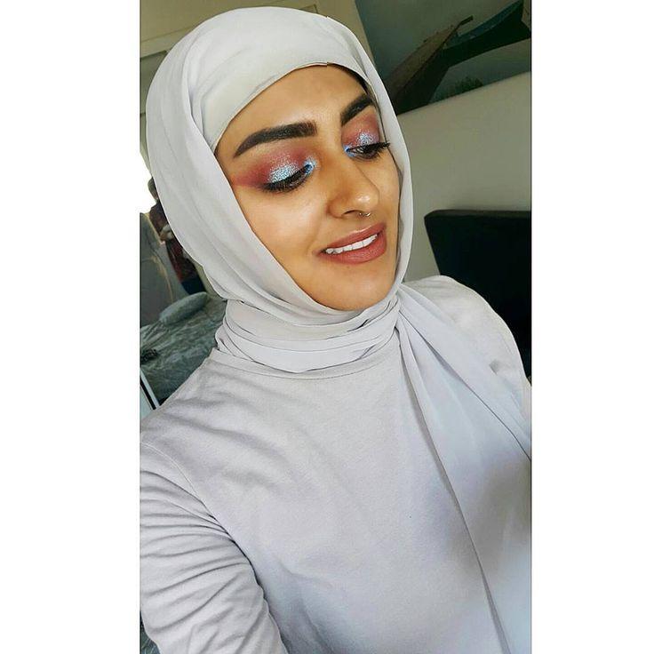 Eid Mubarak everyone!! Hope everyone had a blessed Ramadan and a happy Islamic new year! . . . #limecrime #venus #palette #diamondcrushers #trip #lipstickqueen #knight #benefitcosmetics #benefitbrows #goofproofbrow #tarte #theyrerealmascara #maybelline #paradiselashes #mascara #colgate #smile #ramadan #eid #silver #hijabi #hijabifashion #makeup http://ameritrustshield.com/ipost/1545329318363431074/?code=BVyHNPaDICi