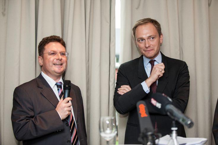 Christian Lindner und Prof. Dr. Julius Reiter bei der Veranstaltung mit Christian Lindner in der Kanzlei baum Reiter & Collegen am 25.04.2012