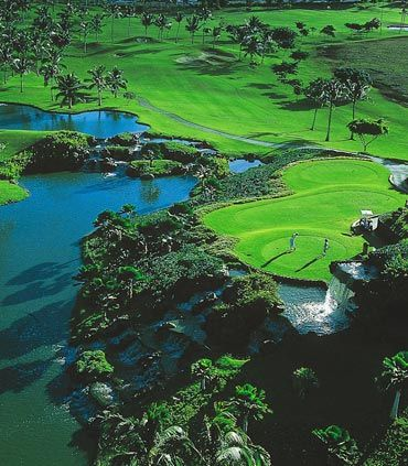 During your stay at Aulani, A Disney Resort & Spa in Ko Olina, enjoy expansive fairways and tournament-ready greens on a championship golf course. The nearby Ko Olina Golf Club features a challenging 18-hole course created by renowned architect Ted Robinson. Recognized by Golf Digest as one of the Top 75 Resort Courses in the U.S., this picturesque course features multi-tiered greens, dramatic water hazards and unparalleled views.