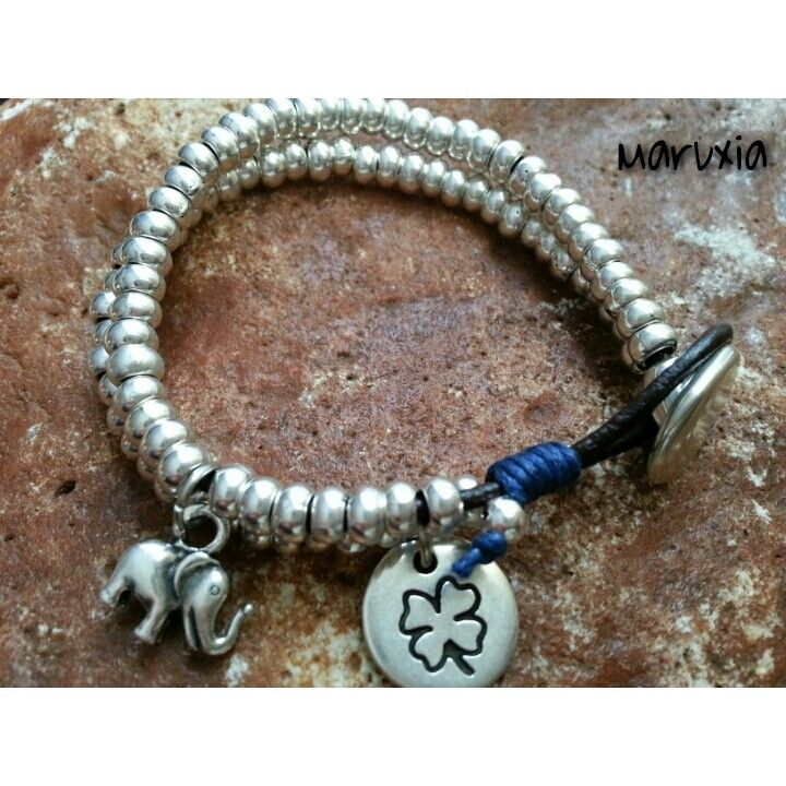#pulsera con colgantes amuletos de la suerte #bisuteria