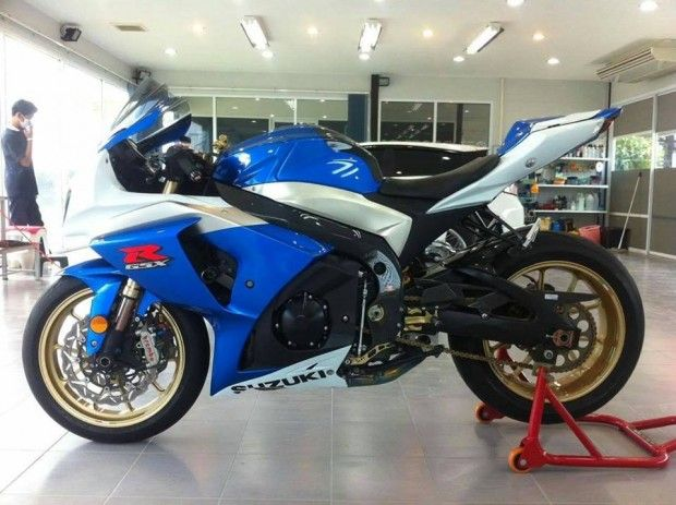 best 25 suzuki gsx r ideas on pinterest suzuki gsx r. Black Bedroom Furniture Sets. Home Design Ideas