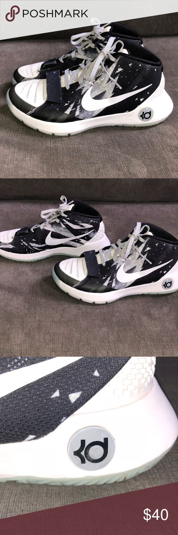 Nike Men's KD Kevin Durant Basketball Shoes - 9 Brand: Nike Gender: Men's  Item: Basketball Shoes Style# 749379-010 Color:  Black & White Size: Men's 9 Additional Description:  KD Trey 5 III Premium Kevin Durant Basketball Shoes  Condition: Hardly Ever Worn - Excellent Condition Nike Shoes Athletic Shoes